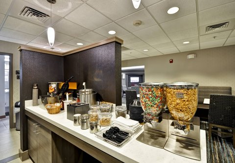 Residence Inn by Marriott Jacksonville Airport - Breakfast Buffet
