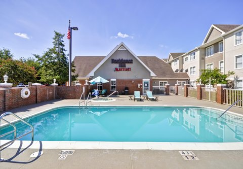 Residence Inn by Marriott Jacksonville Airport - Outdoor Pool