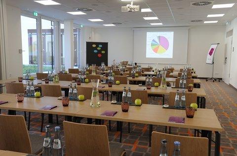 FourSide Hotel Braunschweig - Meetingroom