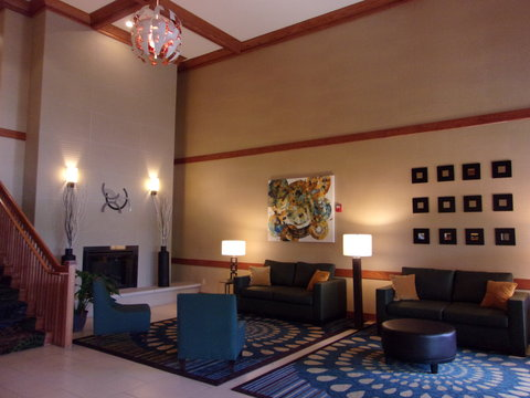 Holiday Inn Express & Suites CHICAGO WEST-ROSELLE - Hotel Lobby