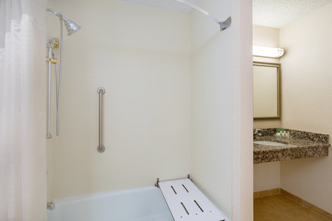 Holiday Inn CHARLOTTESVILLE-MONTICELLO - Wheelchair Accessible