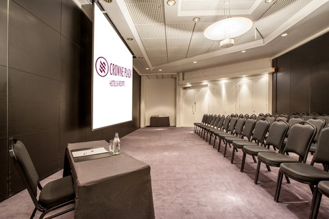 Crowne Plaza HELSINKI - Meeting room 3 for up to 80 people can also be part of 1-5 rooms