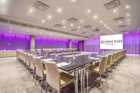 Crowne Plaza HELSINKI - Play with inspiring colors at the meeting room Lumo