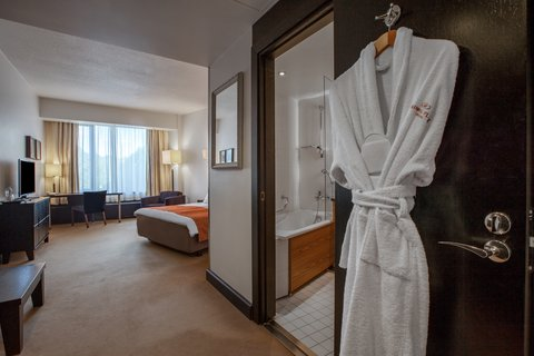 Crowne Plaza HELSINKI - Corner rooms in each floor are larger than normal Standard rooms