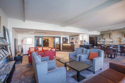 Crowne Plaza HELSINKI - Club Floor s Club Lounge is open all day