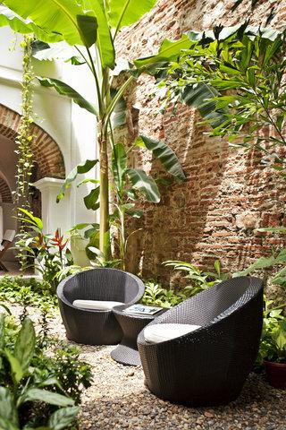 Alfiz Hotel - Garden Patio