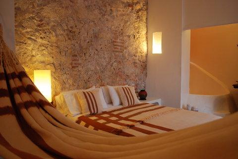 Alfiz Hotel - Indigenous