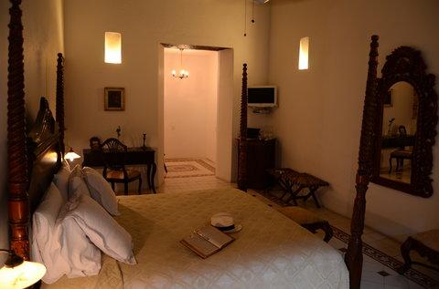 Alfiz Hotel - Viceroy Room
