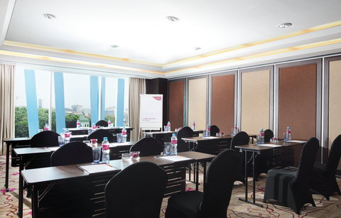 Crowne Plaza BANDUNG - Lembong Meeting Room - Class Room Style