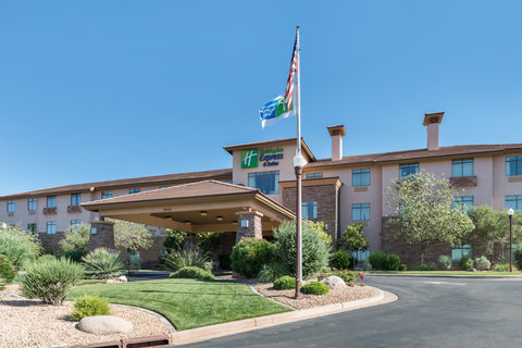 Holiday Inn Express & Suites ST. GEORGE NORTH - ZION - Hotel Exterior