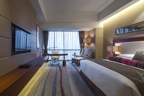 Crowne Plaza WUXI TAIHU - King Bed Guest Room