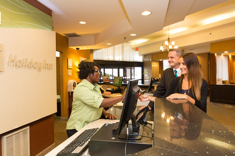 Holiday Inn Hotel And Suites Windsor Ambassador Bridge - Reception