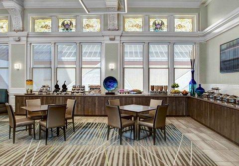 Residence Inn Cleveland Downtown - Breakfast Buffet