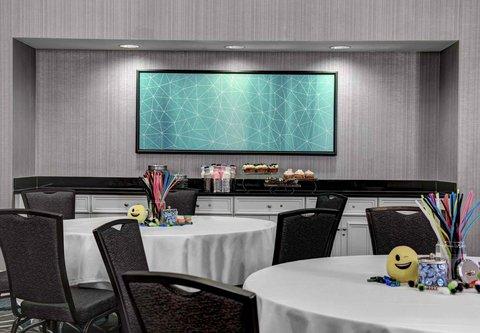 Residence Inn Cleveland Downtown - Warner Meeting Room