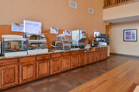 Holiday Inn Express & Suites ST. GEORGE NORTH - ZION - Complimentary hot breakfast everyday