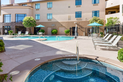 Holiday Inn Express & Suites ST. GEORGE NORTH - ZION - Relaxing Swimming Pool Area