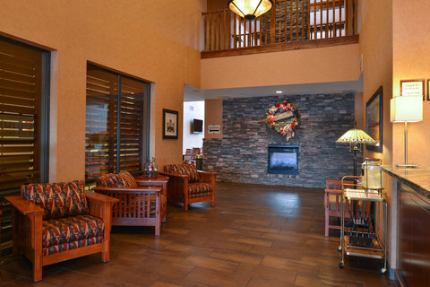 Holiday Inn Express & Suites ST. GEORGE NORTH - ZION - Hotel Lobby