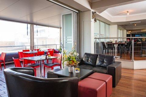 Metro Apartments Gladstone - Rocksalt Restaurant