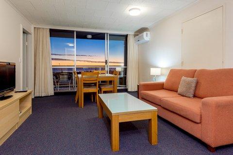 Metro Apartments Gladstone - One Bedroom Apartment