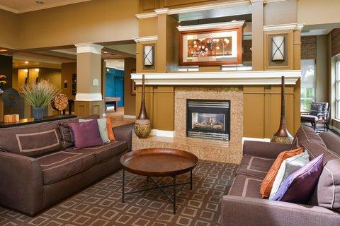 Hilton Garden Inn Napa - Lobby