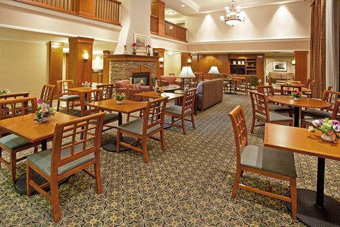 Staybridge Suites AURORA/NAPERVILLE - Guest Dining Lounge