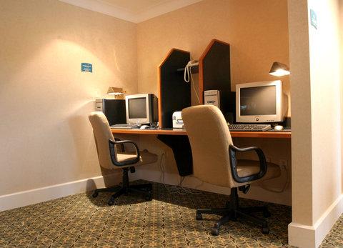 Staybridge Suites AURORA/NAPERVILLE - Business Center