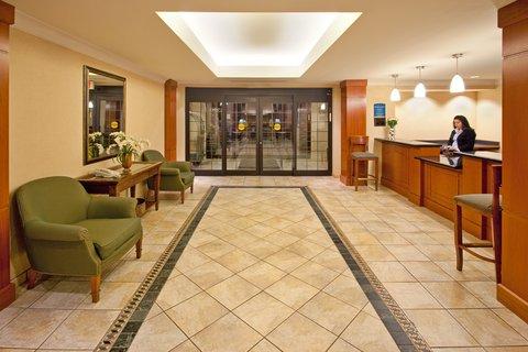 Staybridge Suites AURORA/NAPERVILLE - Hotel Lobby