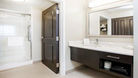 Staybridge Suites WEST EDMONTON - Bathroom Amenities