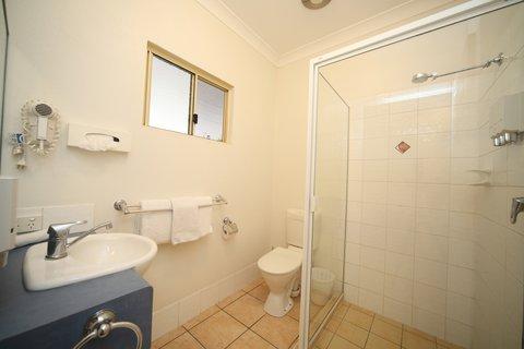 Midlander Motor Inn - Bathroom