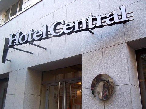Central Hotel - Exterior