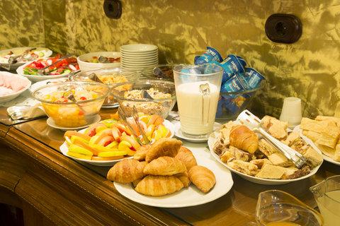 Central Hotel - Breakfast