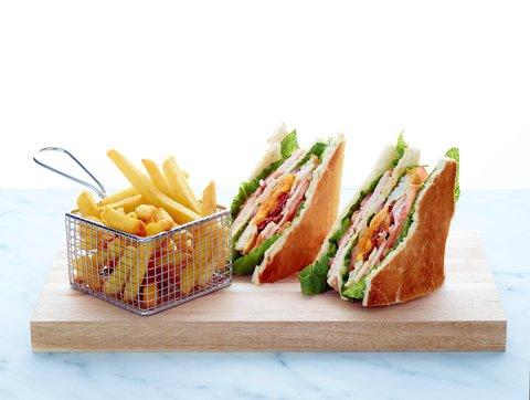 Hilton Antwerp Old Town - Club sandwich