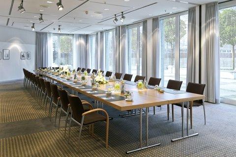 InterContinental BERLIN - meeting room Sch neberg InterContinental Berlin