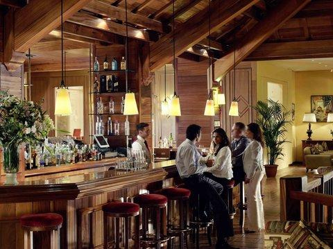 玛加尔黎巴嫩青山温泉度假洲际酒店 - Bar Picture