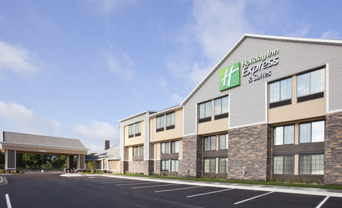 Holiday Inn Express & Suites WILLMAR - Your best bet for great service and IHG Rewards in Willmar