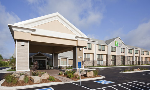 Holiday Inn Express & Suites WILLMAR - Welcome to the Holiday Inn Express   Suites in Willmar  MN