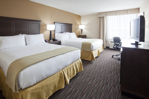 Holiday Inn Express & Suites WILLMAR - Our room with two queen beds can sleep up to four guests