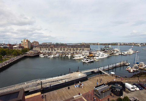 Marriott Long Wharf Hotel - One-Bedroom Suite - Wharf View