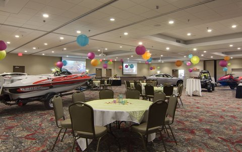 Holiday Inn Express & Suites WILLMAR - Willmar Conference Center is available for any size event
