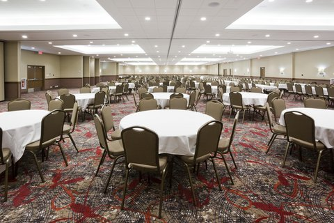 Holiday Inn Express & Suites WILLMAR - Willmar Conference Center Ballroom can hold conventions up to 1000