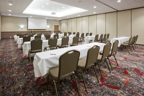 Holiday Inn Express & Suites WILLMAR - Use our onsite meeting consultants to craft your next event