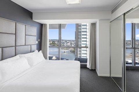 Meriton Serviced Apartments Herschel Street - Modern Suite With Bedroom