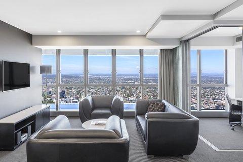 Meriton Serviced Apartments Herschel Street - Altitude Suite With Bedroom Living Area
