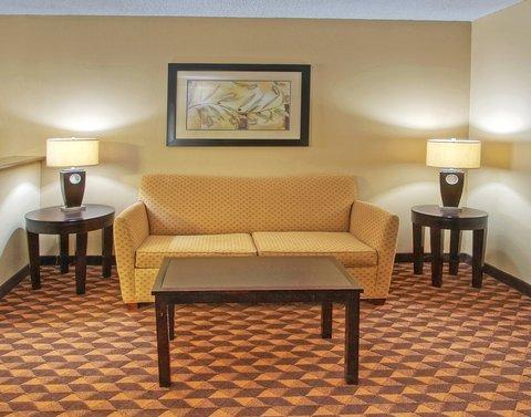 Holiday Inn Express & Suites ALBUQUERQUE MIDTOWN - Albuquerque Holiday Inn Express-Midtown Sleeper Sofa