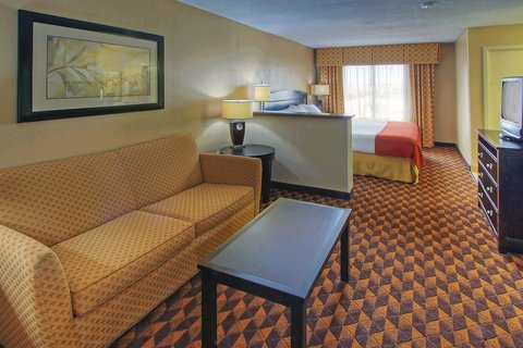 Holiday Inn Express & Suites ALBUQUERQUE MIDTOWN - View from room entrance king