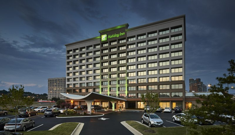 HOLIDAY INN ALEXANDRIA CARLYLE