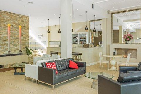 Quality Suites Deep Blue - Lobby
