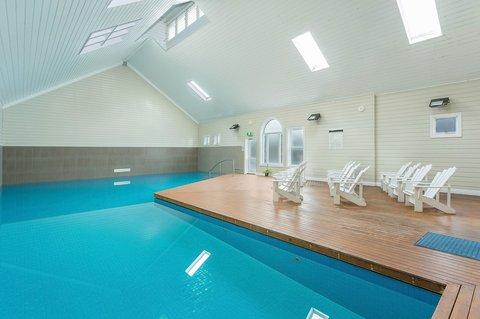 Quality Suites Deep Blue - Pool