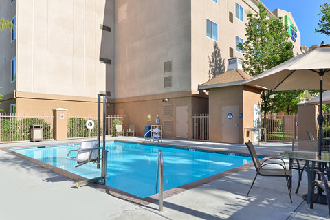Holiday Inn Express & Suites FRESNO (RIVER PARK) HWY 41 - Swimming Pool