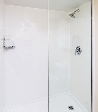 Fairfield Inn & Suites Atlanta Buckhead - Guest - Shower